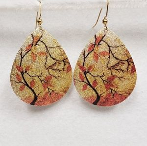 Jewelry - Beautiful Sparkly Gold and Orange Earrings.